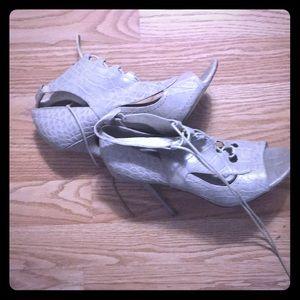 A pair of Elizabeth and James heels